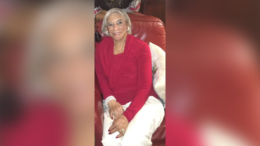 Former Lady Vol Candace Parker's grandmother goes missing near Chicago #WATE https://t.co/A9JYg5BY6c https://t.co/DQ7GPsfbwM