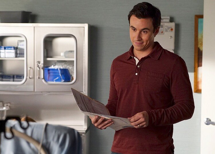 Dr. Rollins is making his rounds tonight.... #PLL #PLLAS https://t.co/omxEXykSVQ @PLLTVSeries #PLLChat #PLLSquad