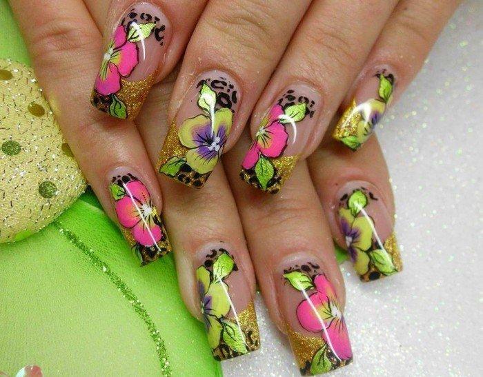 Красивые яркие ногти на лето