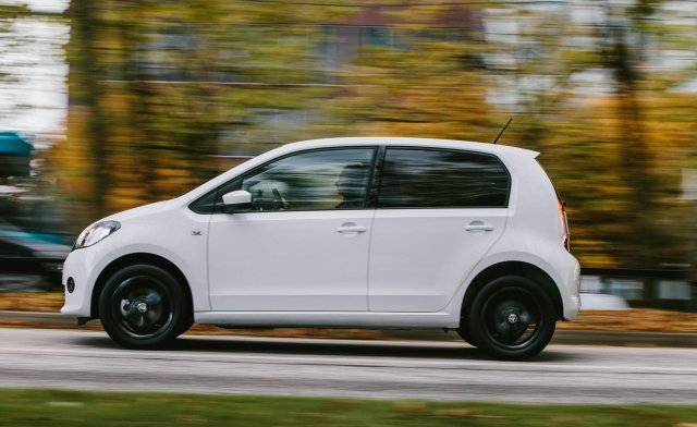 Triple win for @SKODAUK with the Citigo, Superb and Superb Estate winning their classes at @AutoExpress #AEAwards https://t.co/w0n5eXfwcr