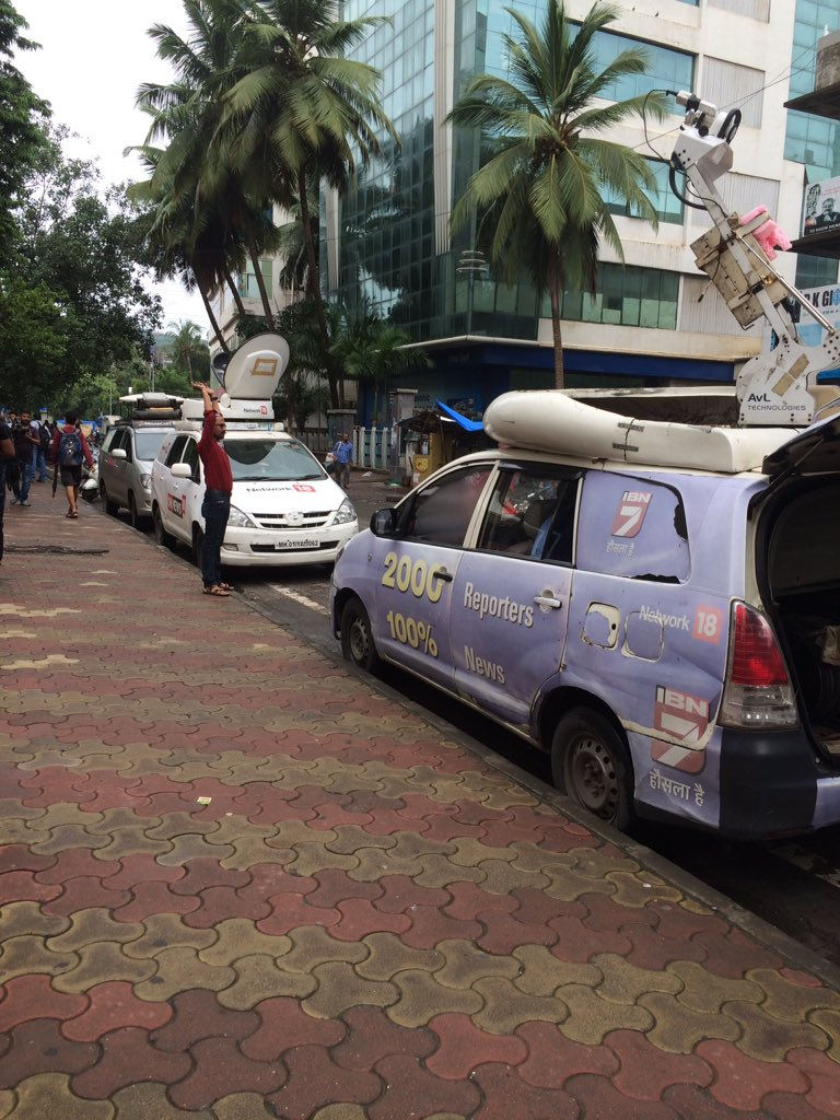 three OB vans outside fun cinemas for FDFS #Sultan movie starts at 8.15 am. junta trickling in :) https://t.co/Dqn8rSpNf9