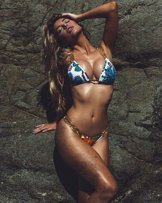 #nationalbikiniday k8GOPhM3Gn