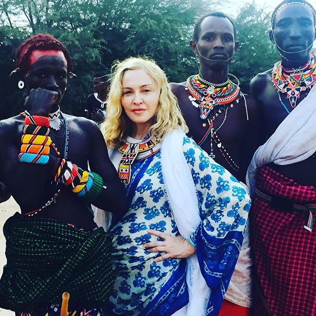 With the Samburu tribe in the Kikuyu valley! ???????????????????????????????????????????????????????????????? Kenya! https://t.co/d4Z7fazI4v