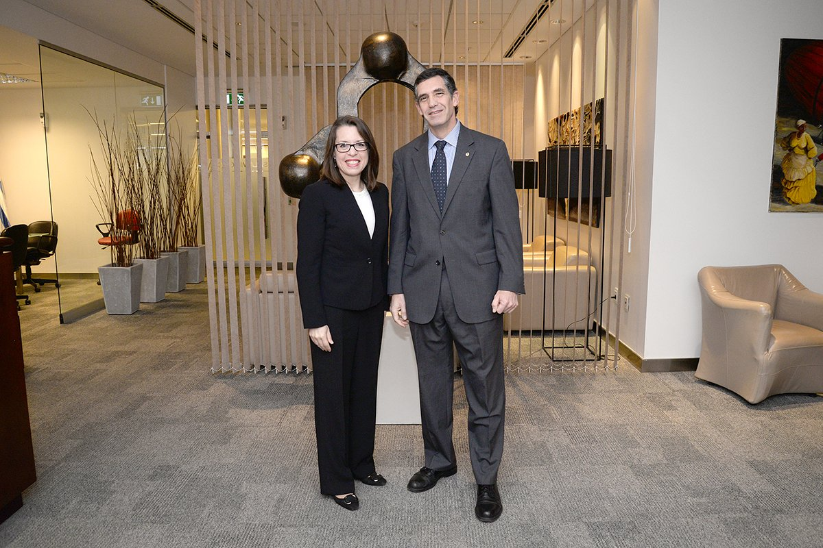 Kelly Keiderling, la Nueva Embajadora de Estados Unidos en Uruguay, llegó hoy a Montevideo. https://t.co/YNvD2vgT2v