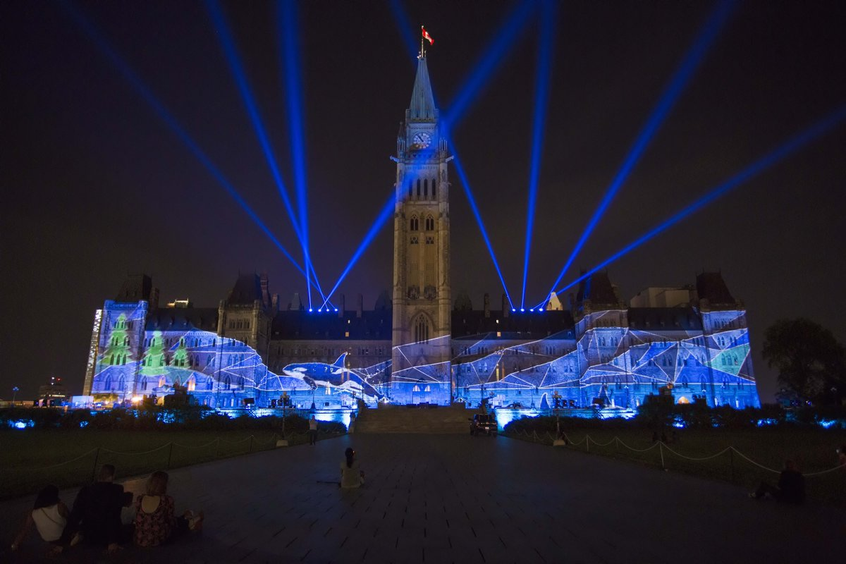 Parliament Hill sound and light show starts this Saturday https://t.co/UvX3fyVHAz #Ottawa https://t.co/uzOgIT3BEH