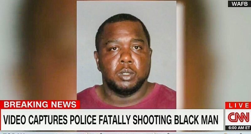 Out of all the pictures to choose from, CNN chooses his mugshot...disgusting #AltonSterling https://t.co/KKcpvLtvX6