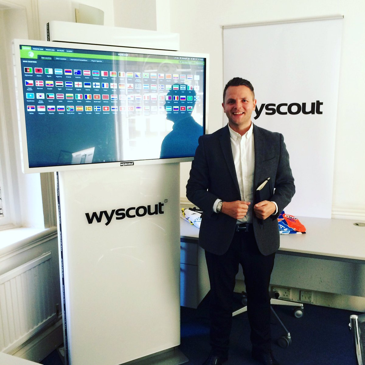 Nice morning spent in London at the @Wyscout offices, great  Italian coffee too ☕️🇮🇹 #graziemille https://t.co/NP0zxQBznc