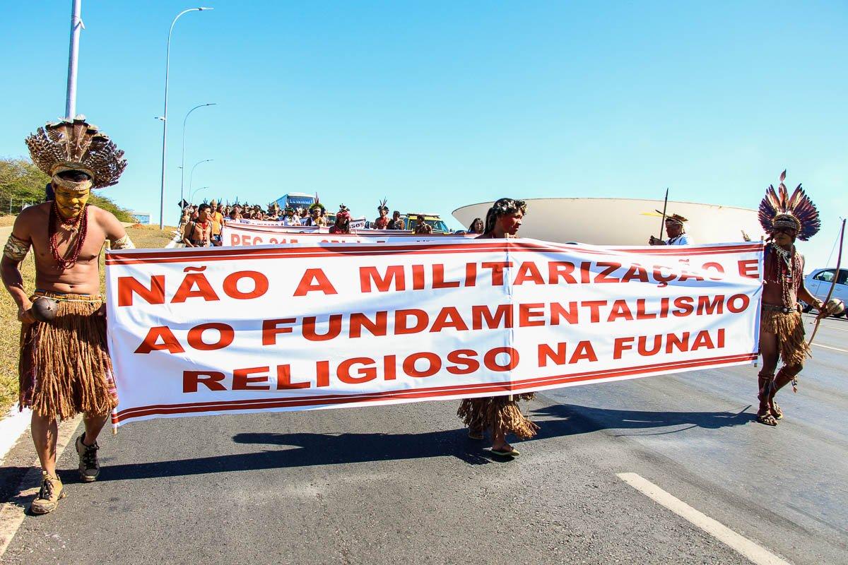 Povos Pataxó, Tupinambá e Tumbalalá manifestam-se contra nomeação de general Peternelli para presidência da Funai https://t.co/XYjhkaj5QG