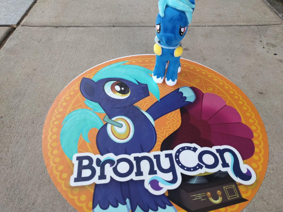 Hoof Beatz approves of your snazzy new sidewalk stickers @BronyCon! https://t.co/4Zkm9GI54d