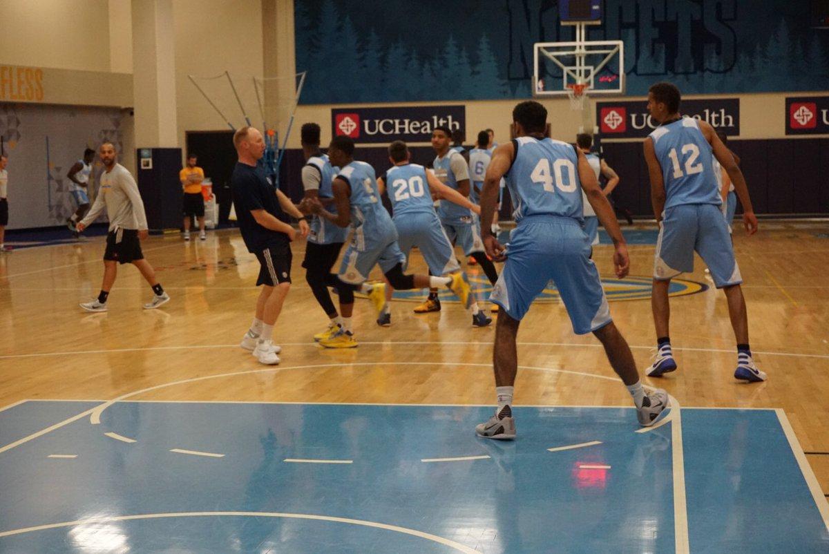 Working On Offensive Sets Nbasummer Nuggets Https T Co Mvxzj61lbt Basketball Denver