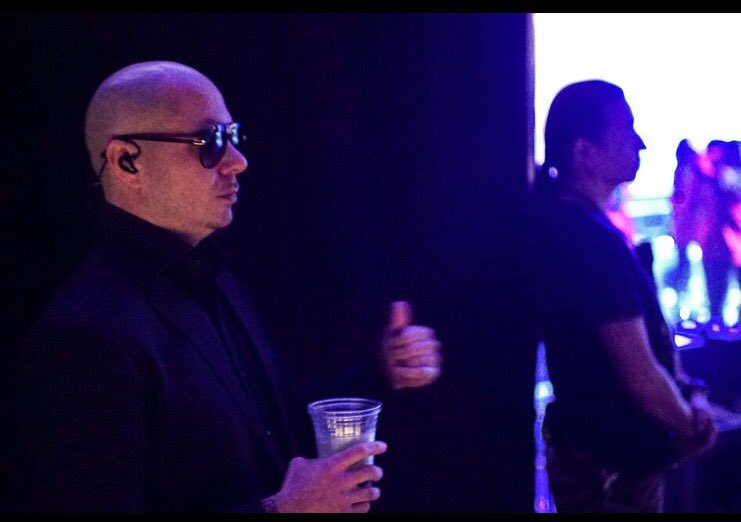 It's a true honor to kick off #BadManTour in Fresno. You have showed love for over 16 years @savemartcenter #Dale https://t.co/nZL8srsiv9