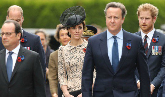 Either Kate Middleton is levitating in this photo, or our eyes are playing tricks on us.