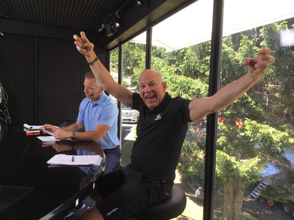 Send all your love to @bobkeroll people, it's his birthday! https://t.co/SOLz3OUzal