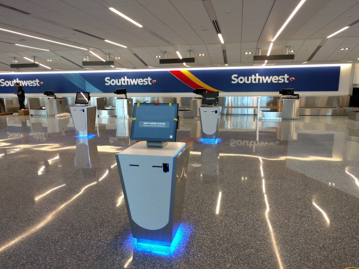 RT @DSALighting: .@SeluxCorp brightens up renovated @flyLAXairport @SouthwestAir terminal!