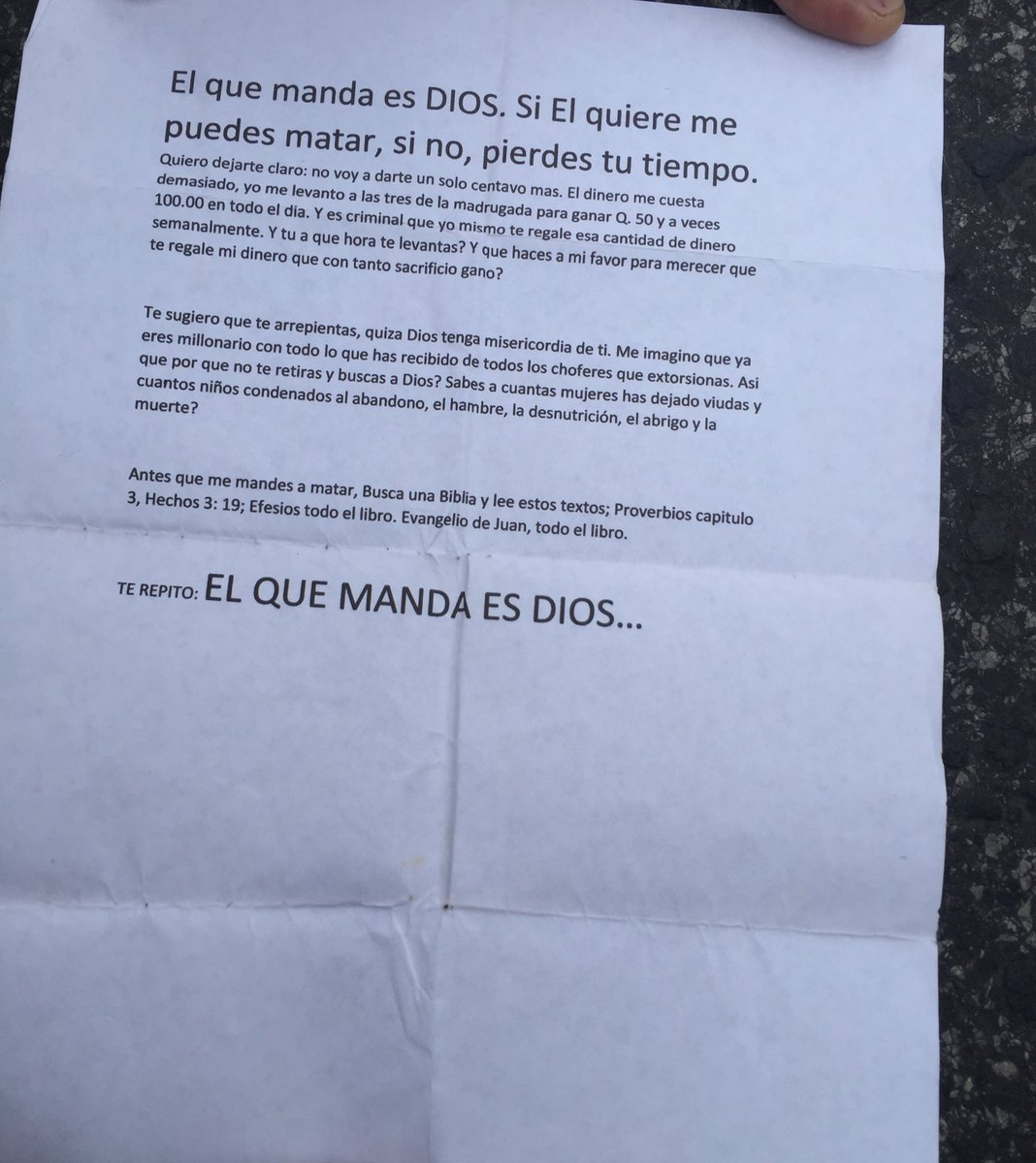 Dos copias de esta carta tenía Mario López piloto de bus asesinado a balazos. Estaba en su dormitorio https://t.co/Hgmzg8ipq1