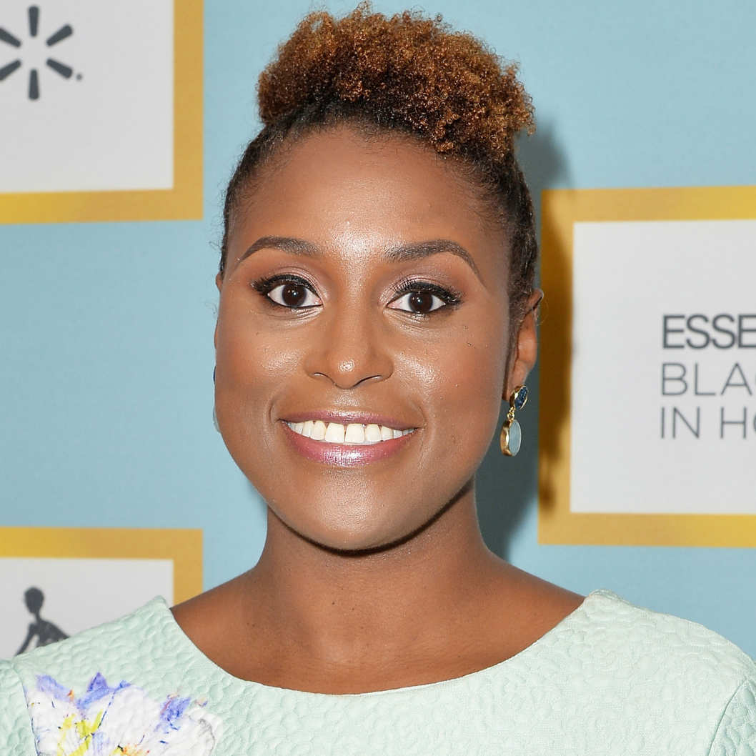 .@IssaRae raised more than $200,000 for Alton Sterling's family in just 9 hours: https://t.co/kJYw3cmulc https://t.co/VcNN7f3bx2