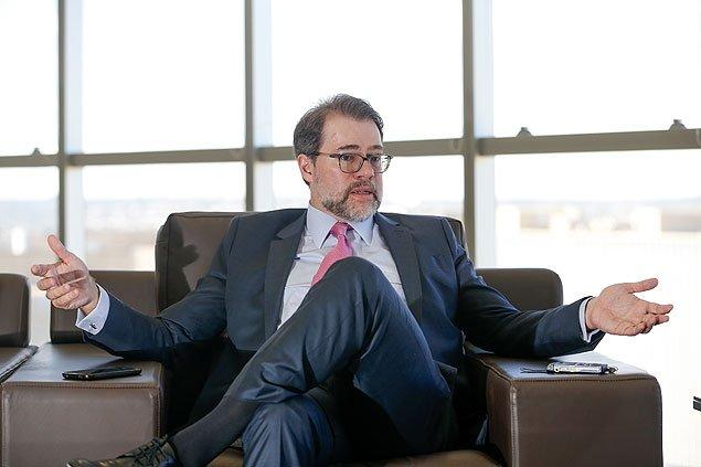 Dias Tofolli tenta menosprezar a importância da atuação do juiz Sérgio Moro https://t.co/JgzqhIzjzU #SomosTodosMoro https://t.co/wXJRx7prp9
