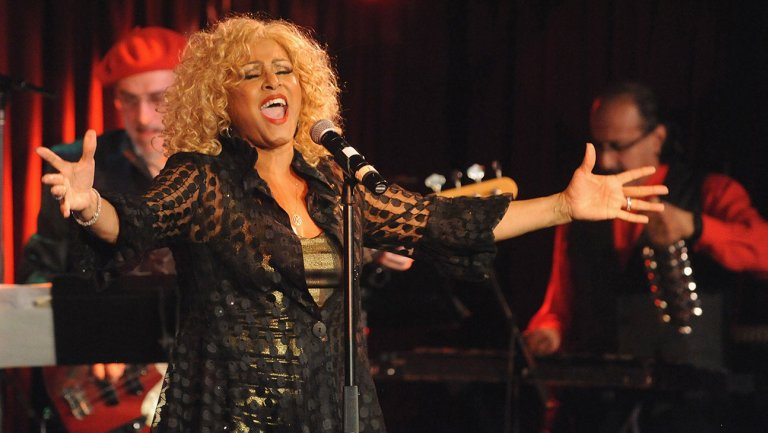 Darlene Love sues Scripps for using Christmas song without permission