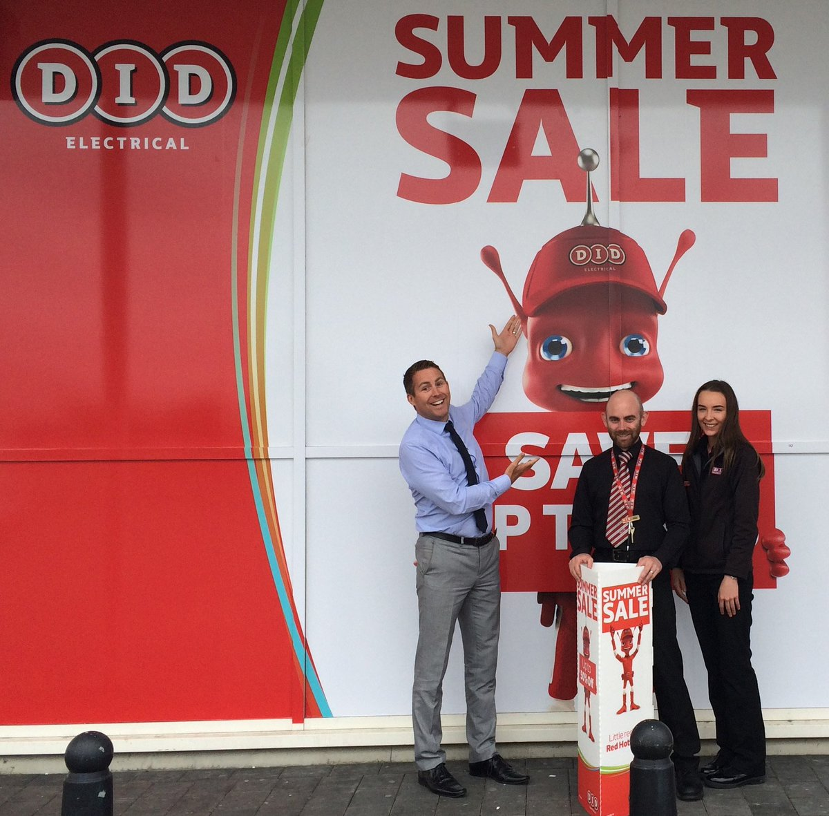 Drop into our dedicated DID staff for the best deals and product knowledge! or call us on 01-6250250 #SummerSale https://t.co/ZecZXiG072