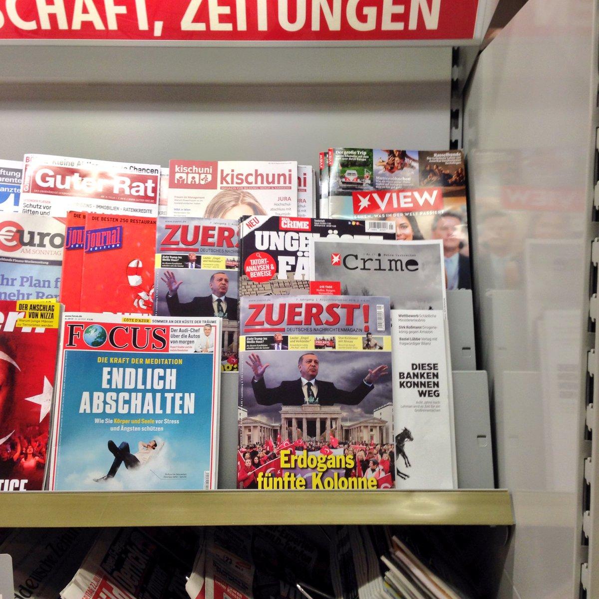 Dann doch sehr befremdlich, dass bei @REWE_Supermarkt in Ffm diese rechtsextreme Zeitschrift im Regal steht. https://t.co/8ucCULHPet