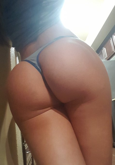 RT Morning booty, ☕?? https://t.co/eB6GJgwGkU