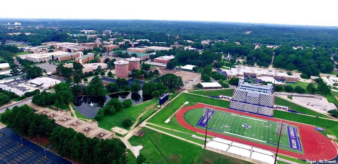 For your Friday enjoyment: an aerial photograph showing a bird's-eye view of campus. Photo cred: Bryan McDowell. https://t.co/Xl1mn9tOq6