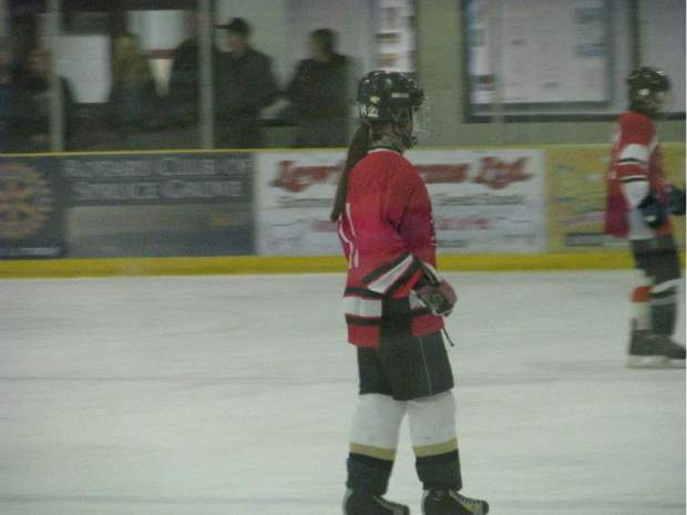 Alberta minor hockey player says male opponent assaulted her and threatened her with rape