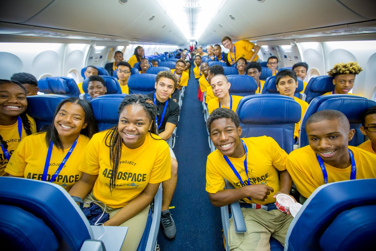 .@Delta & @OBAPTakeFlight spark students' aviation passion w/ Dream Flight & summer camp.