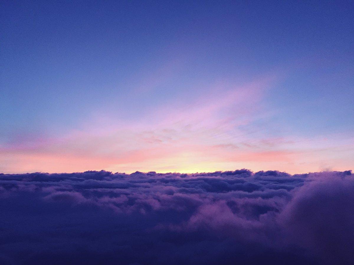 富士山に登ってます https://t.co/2KOY41E5F9