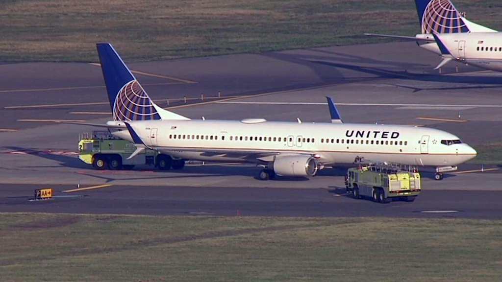 Smoking Engine Halts Newark Airport Takeoff: Officials