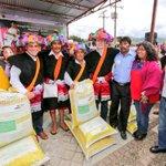 Apoyamos a 2,000 productores indígenas de maíz de #Tenejapa con paquetes de fertilizante e insumos agrícolas. https://t.co/iMLDYG1u9l
