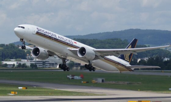 Singapore Airlines to switch Houston stopover from Moscow to Manchester