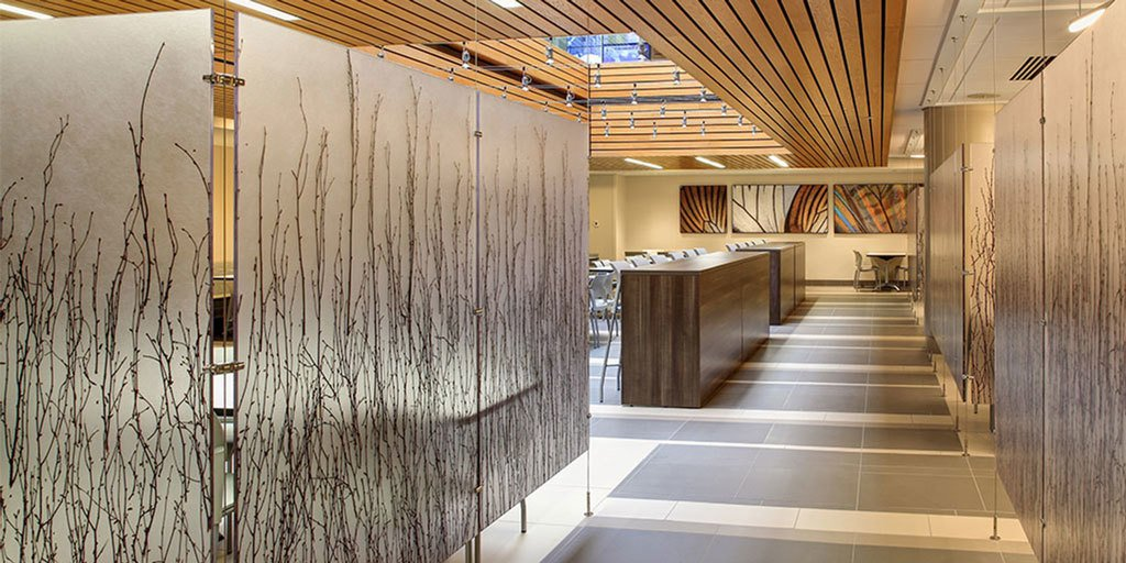 Organic Varia Ecoresin partitions in this hospital cafeteria create warmth and welcome to visitors and patients. https://t.co/lI8b1ZFpfD