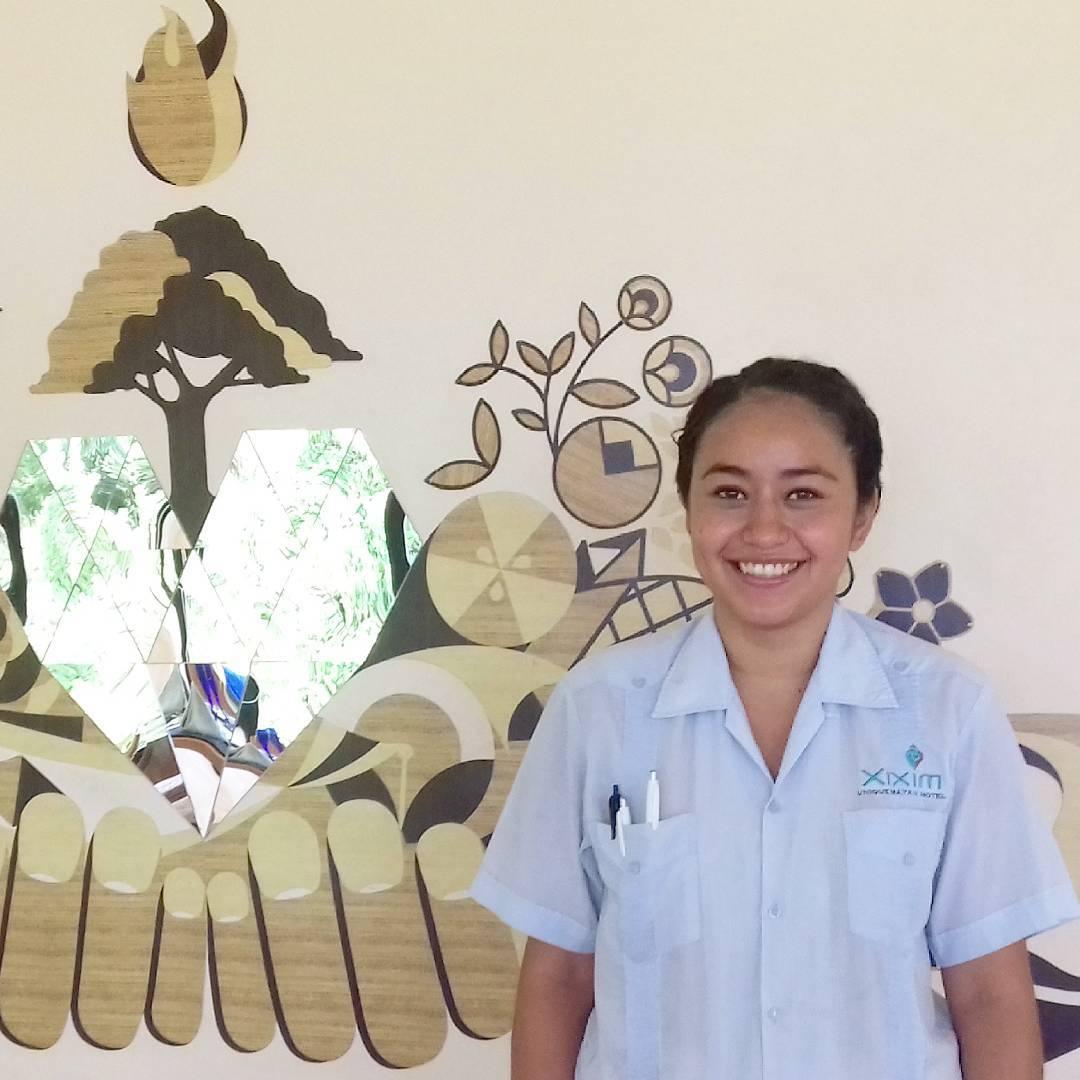 """Ella es Sarahí Arellano, tiene 20 años y nos acompaña desde la """"Universidad Autónoma del Estado de Hidalgo"""". https://t.co/mxIogXG7oY"""