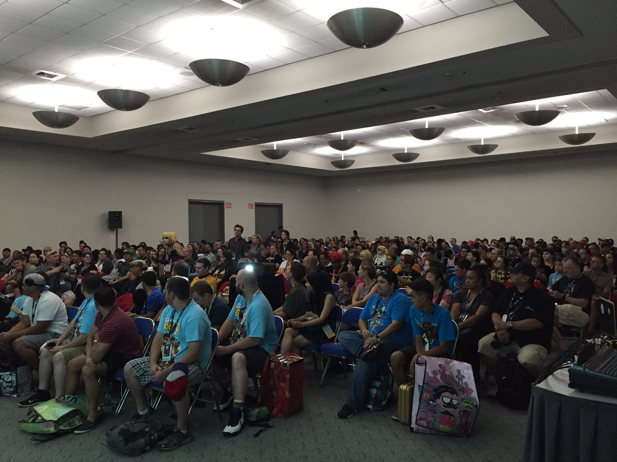 Packed house for the LABYRINTH panel with @RachelHeine #SierraHahn @jonathan_case @goonguy @_gustavoduarte! #SDCC https://t.co/4gUNlMP3wT