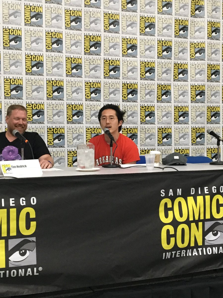 .@steveyeun surprises #Voltron fans at #SDCC16! https://t.co/zGNBPEQTiJ
