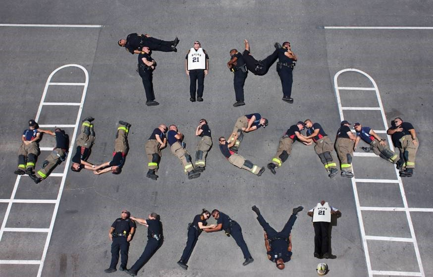 """.@SATXPolice & @SATXFire spell out #TimDuncanDay! - Police Chief McManus is the 'i"""" & Fire Chief Hood is the '!"""" https://t.co/zeQDIIClQ9"""