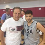 Coach Tom Izzo and Jerry Ferrara working hard today at @usabasketball Fantasy Camp. 🇺🇸🏀 https://t.co/Dlqd4A1fKx