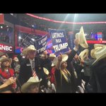"Look at these non Latinos with ""Latinos for Trump"" signs in the crowd LMAOOOOO https://t.co/gkYv8tHWKT"