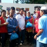 LOOK: President Duterte distributes relief goods to those affected by clashes in Basilan. Via Queenie Casimiro https://t.co/crGgl1TNg9