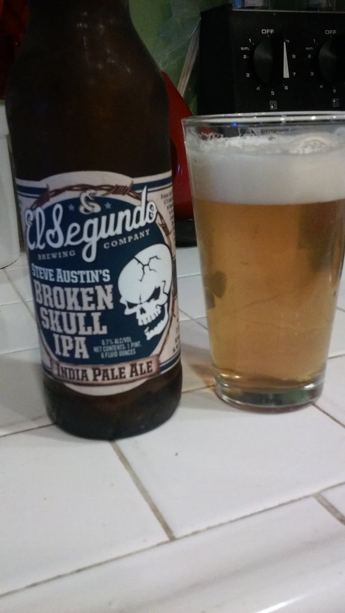 @steveaustinBSR swig of beer for the working man https://t.co/KiY3cWr0ve