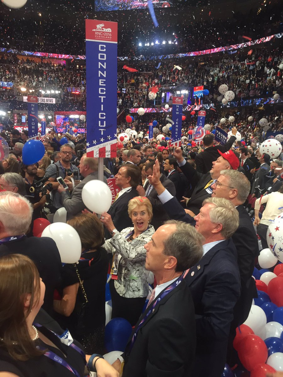 Linda_McMahon photo