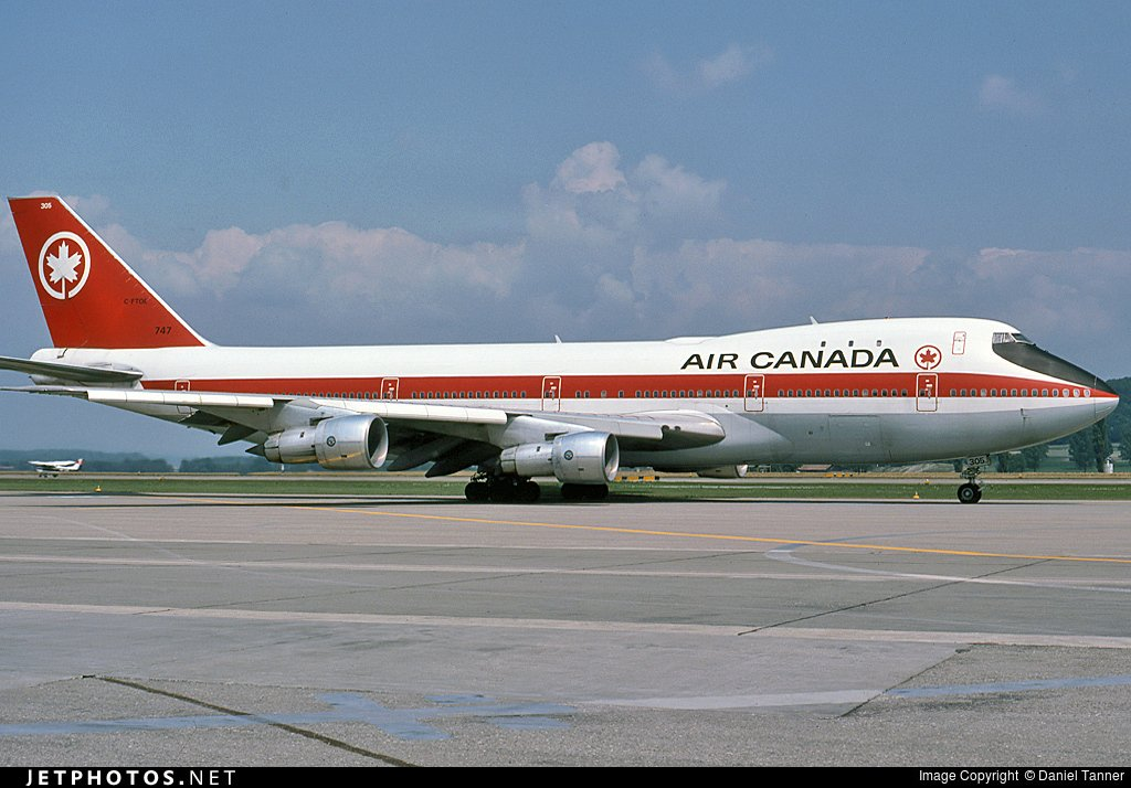 RT @JetPhotosNet: Happy 85th birthday @yvrairport! Our oldest YVR photo—July 1976. © Daniel Tanner YVR85 https://t…