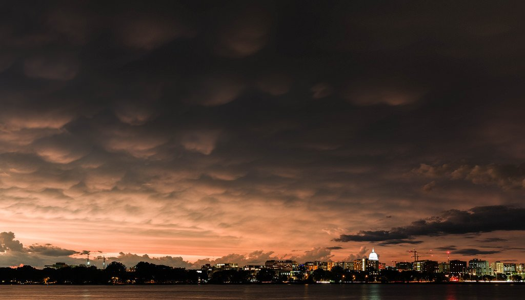 Mammatus Clouds Over Lake Monona https://t.co/svgB7TwHHX