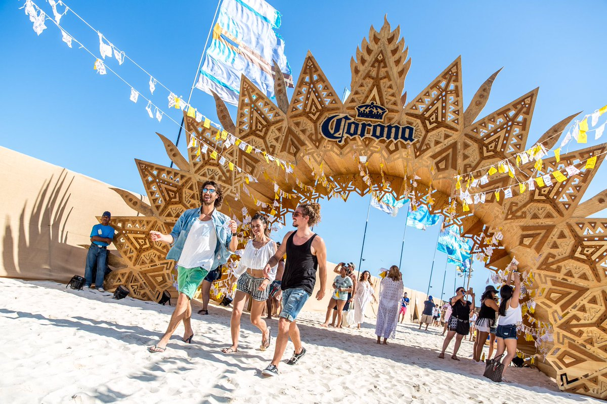 .@coronauk brings the beach to London. RT this tweet to #win 2x VIP tickets to the #CoronaSunSets festival. https://t.co/tgBzlpE6ua