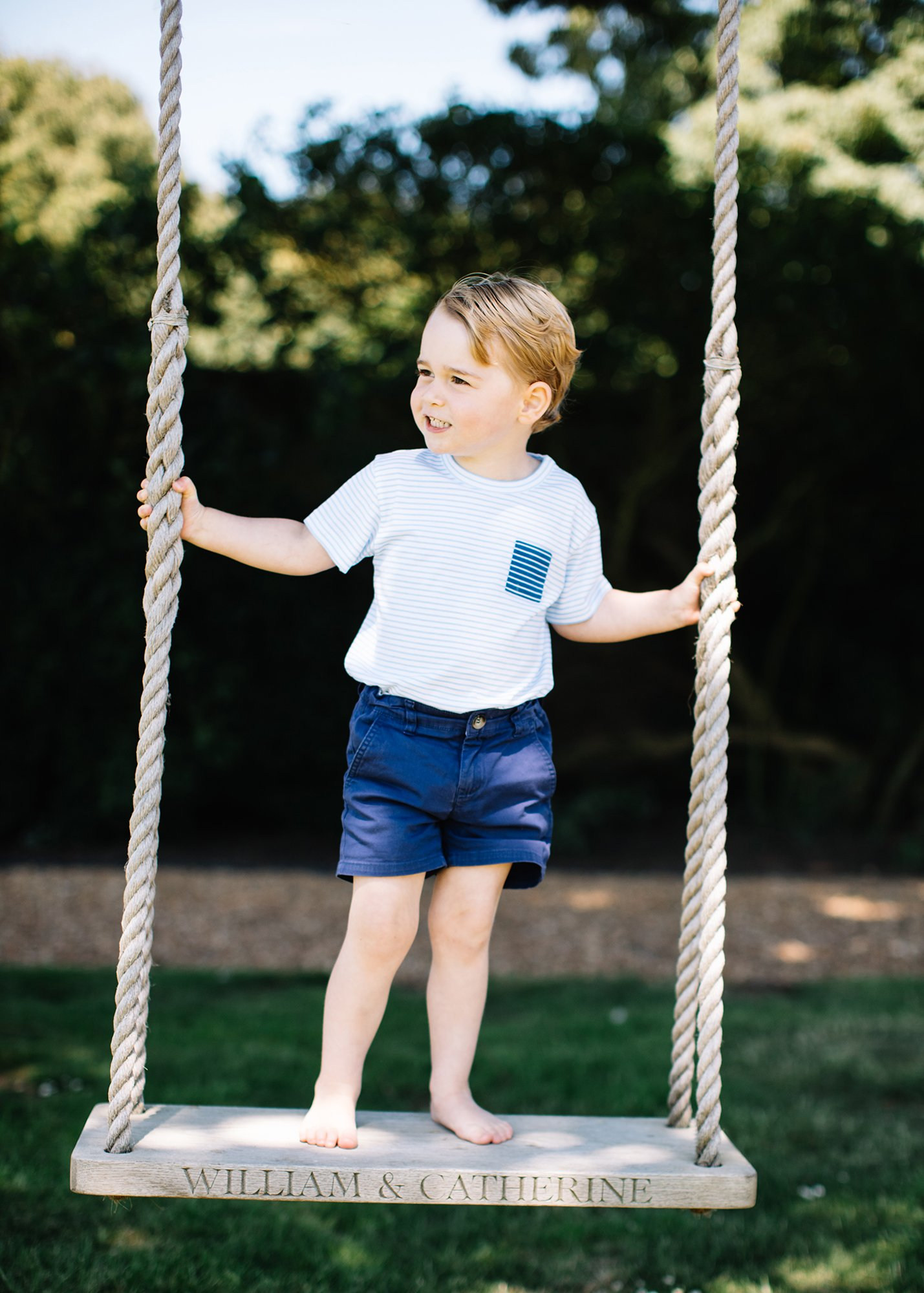 Matt Porteous took the photographs of Prince George at The Duke and Duchess's family home in Norfolk recently. https://t.co/QVluW3KNUH