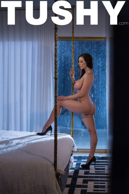 Sultry Sundays with the undeniably seductive @KendraLust & her role in #MissTushy, https://t.co/BYDHVykORd