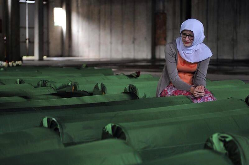 Never forget #Srebrenica, more than 8000 human beings massacred with knowledge, supervision of Dutch under @UN flag https://t.co/wV0slqb5yi