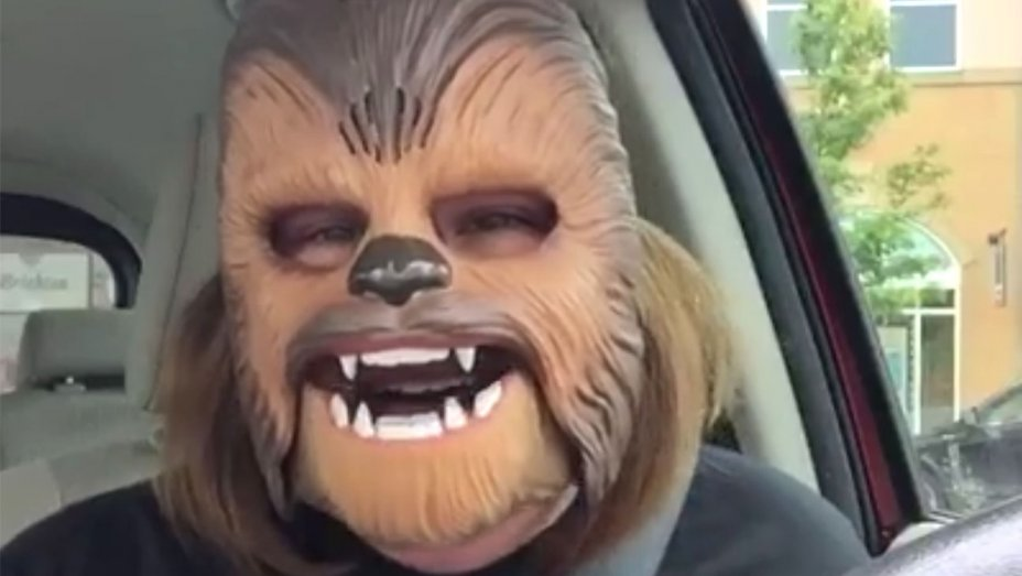 Watch ChewbaccaMom's new viral video—singing Michael Jackson in response to Texas shootings