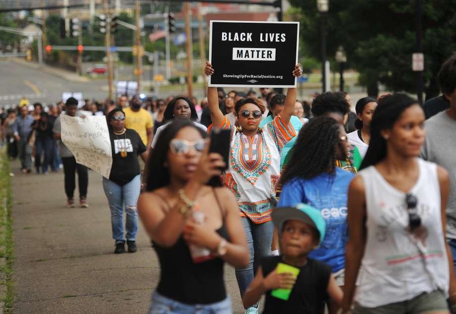 #BlackLivesMatter protesters march through #Bridgeport https://t.co/rFEM8Ew334 https://t.co/A7pji5QeyR